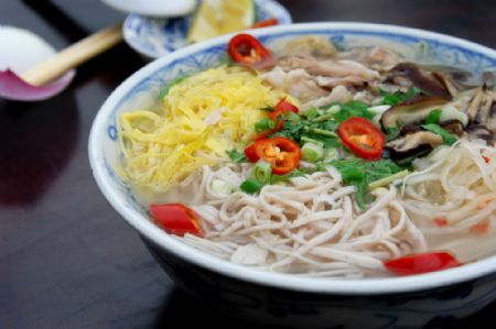 Bun thang, noodle foods in Northern Vietnam