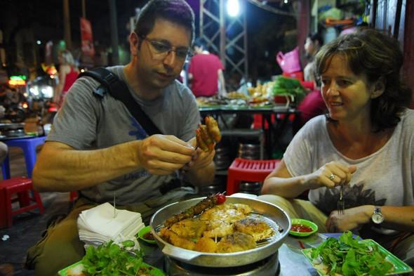 street food in Vietnam, low-cost travel in 2014