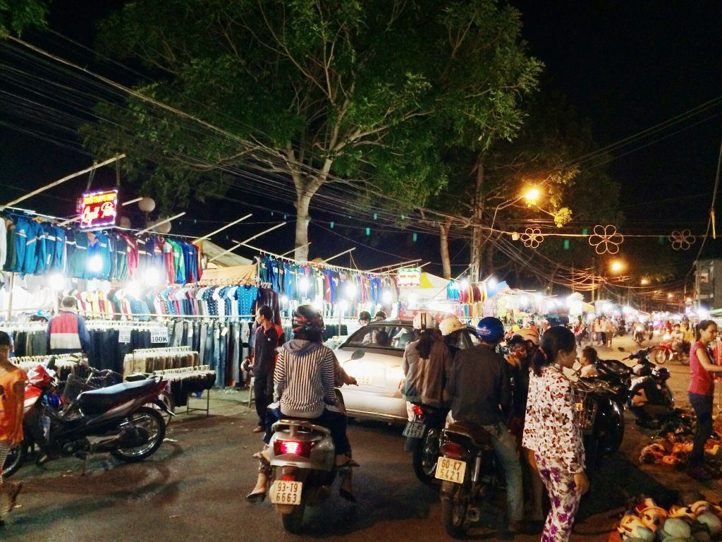 Ben Tre Night Market – the interesting destination for sightseeing and shopping