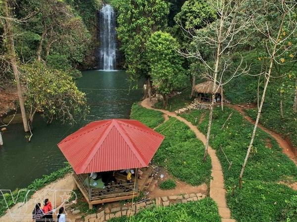 Visiting Pa Sy Waterfall, Visiting Pa Sy Waterfall in vietnam